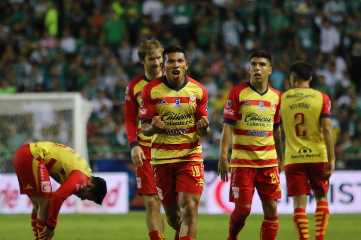 Edinson Flores puso el 2-1 para Morelia.