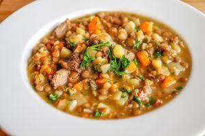Sopa medicinal de legumbres y vegetales, el remedio perfecto para aumentar la inmunidad