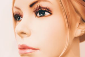4 tips para evitar los piojos por usar pestañas postizas
