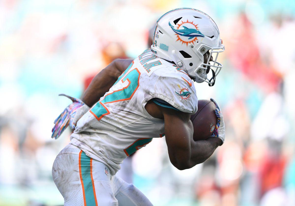 Otro escándalo en la NFL: los Miami Dolphins despiden a un jugador por golpear a su mujer embarazada