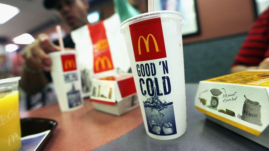 Pidió un vaso de té en McDonald's ¡y se lo dieron con marihuana!
