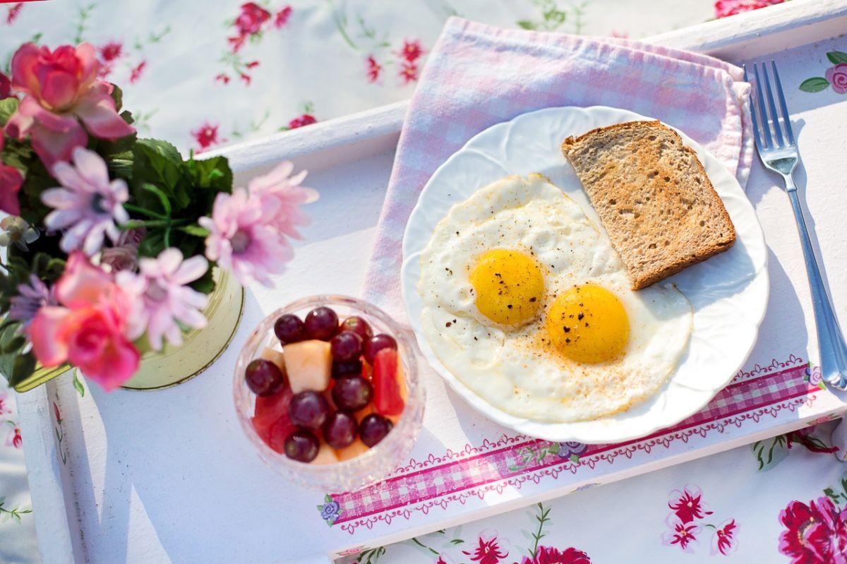Comer dos huevos al día se asocia con grandes ventajas, es clave en la pérdida de peso y en la prevención de enfermedades.