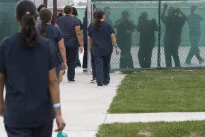 Filtran audio con gritos desesperados por supuestos abusos a inmigrantes detenidas en centro de ICE