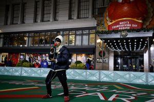 Ozuna se prepara para el Desfile de Acción de Gracias de Macy's a pesar del mal tiempo