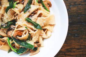 4 saludables recetas de pasta en cacerola que te ahorran tiempo y dinero