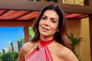 Desde la playa, Patricia Manterola deslumbra con su belleza posando en traje de baño