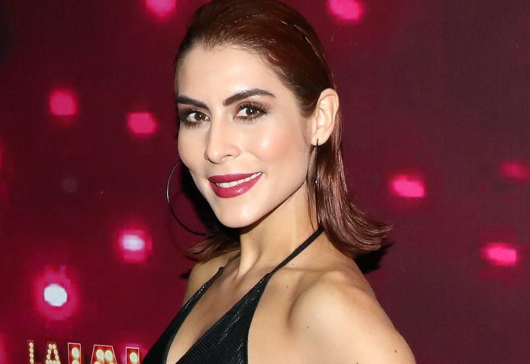 María León enamora a sus seguidores con sus atrevidas rutinas de pole dance
