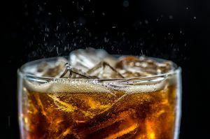 10 razones por las que debes evitar el refresco de cola