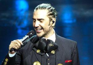 Alejandro Fernández sorprende como invitado de lujo en el concierto de Christina Aguilera