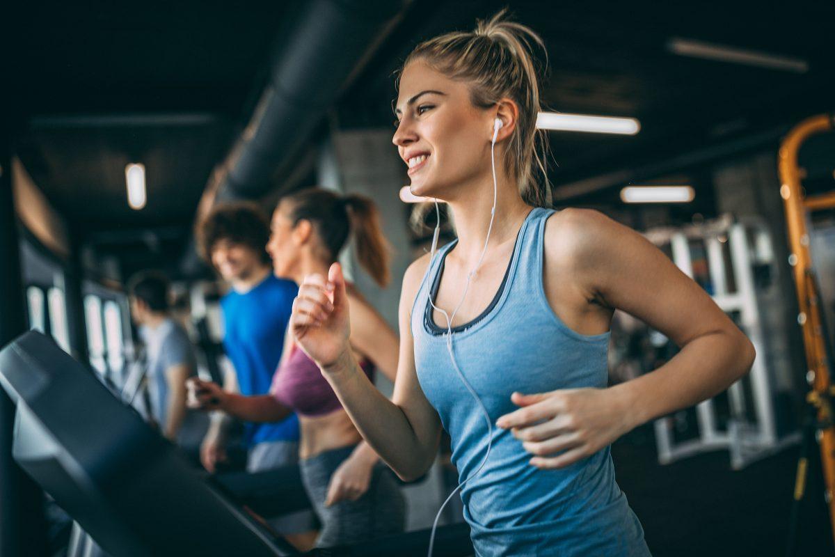 ¿Qué alimentos debo incluir para llevar una vida fitness?
