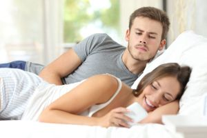 ¿Tu pareja es celosa? Descubre si sufre del síndrome de Otelo