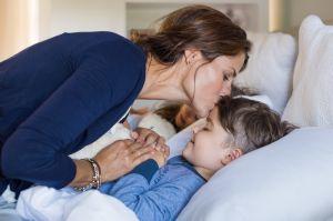 Beneficios de dormir temprano a los hijos (tanto para niños como para las madres)