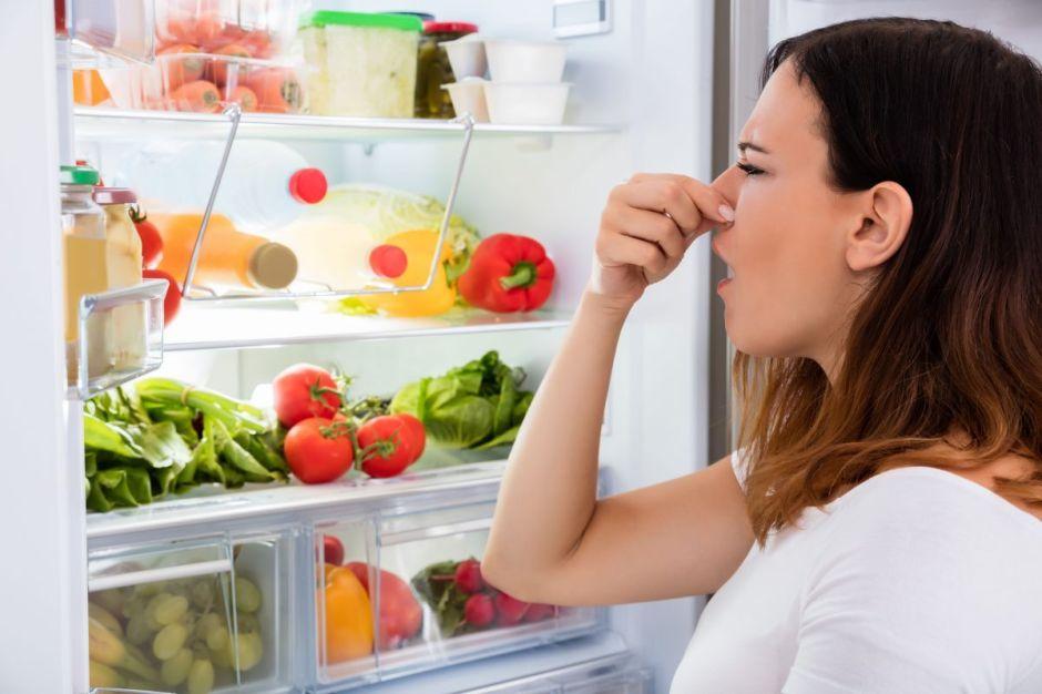 Cómo solucionar el mal olor permanente en tu refrigerador