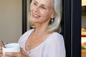 4 opciones de tés herbales para aliviar los síntomas de la menopausia