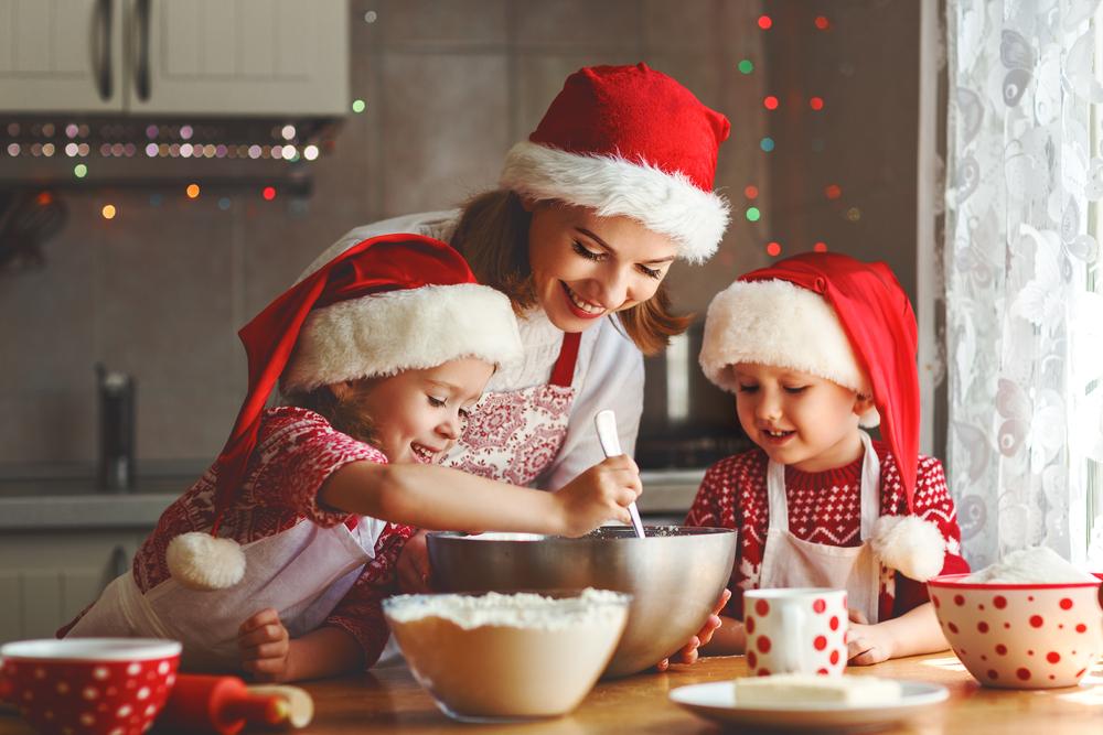 5 sets de herramientas de repostería por menos de $30 para preparar los postres de navidad