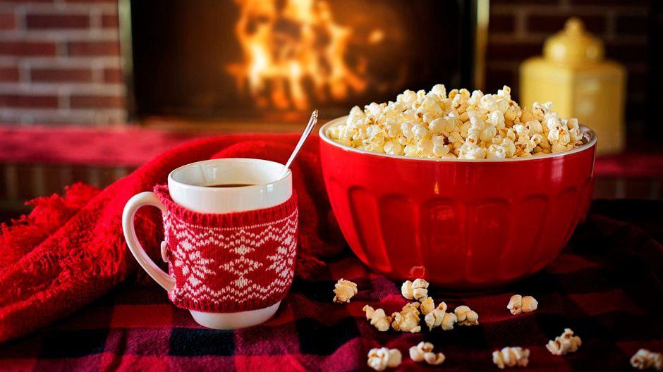 Una empresa te paga $1,000 por ver 24 películas navideñas en 12 días