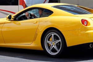 Cuidador de islas privadas, conductor de Ferraris, y otros empleos divertidos que pagan bien