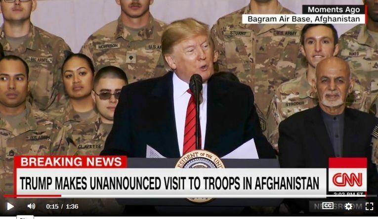 Trump anuncia reanudación del diálogo con talibanes en sorpresivo primer viaje a Afganistán