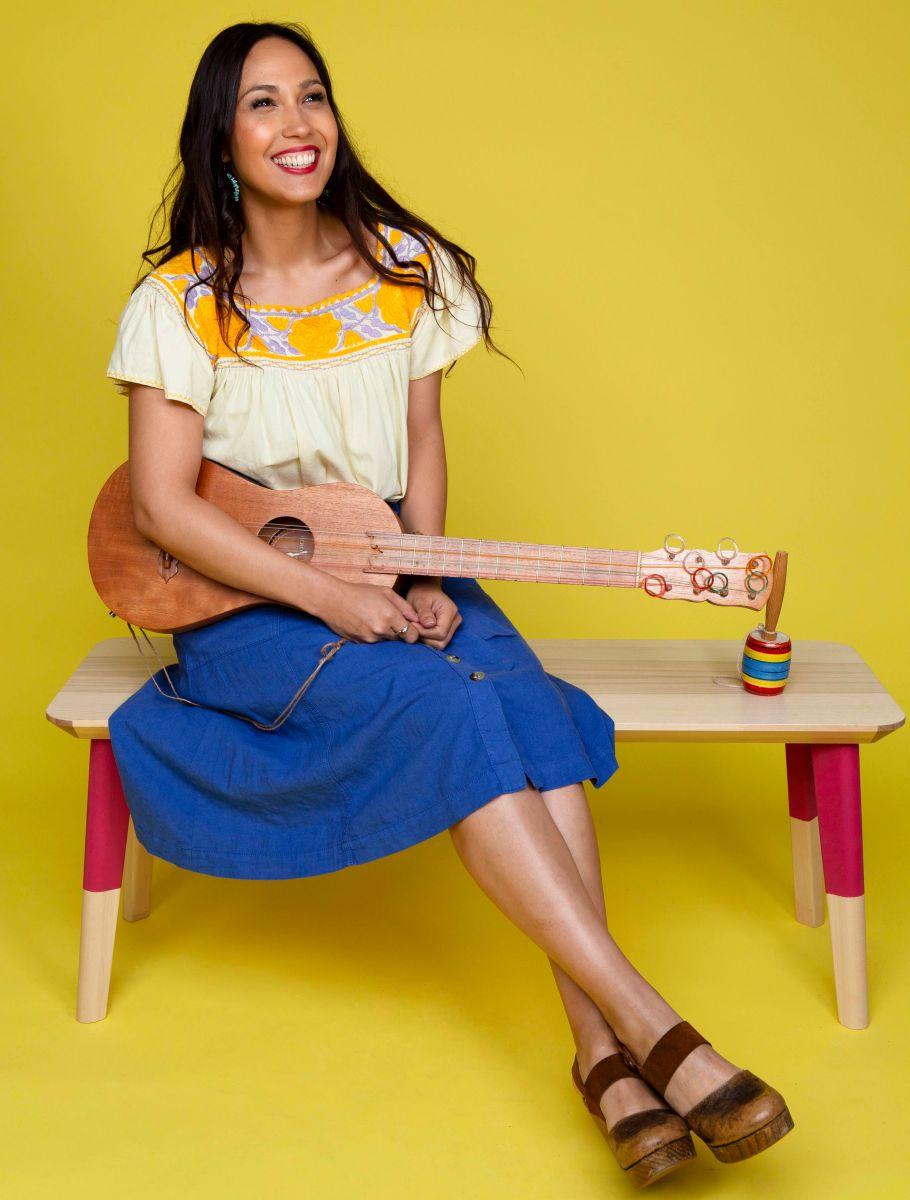 Sonia de los Santos hace música infantil con sabor latinoamericano