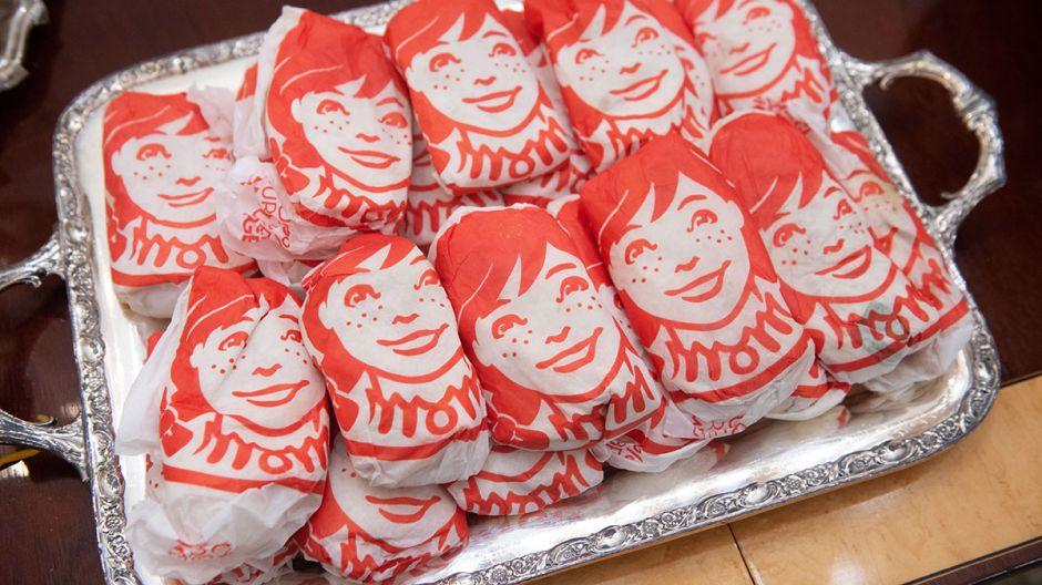 Wendy's te da comida GRATIS con motivo de su 50 aniversario