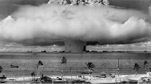 La huella de la primera bomba nuclear explosionada en el mar que todavía es visible después de 73 años