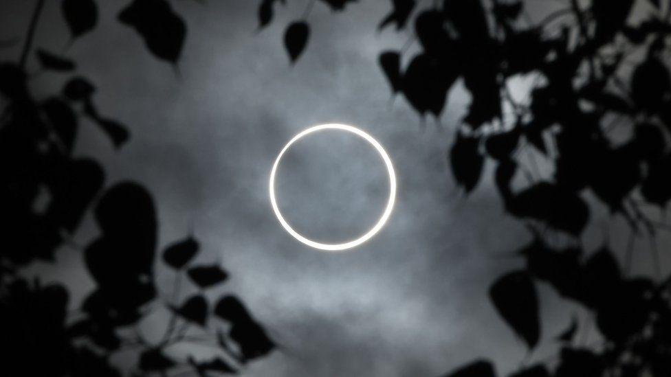 """El espectacular """"anillo de fuego"""" que nos regaló el último eclipse de la década"""
