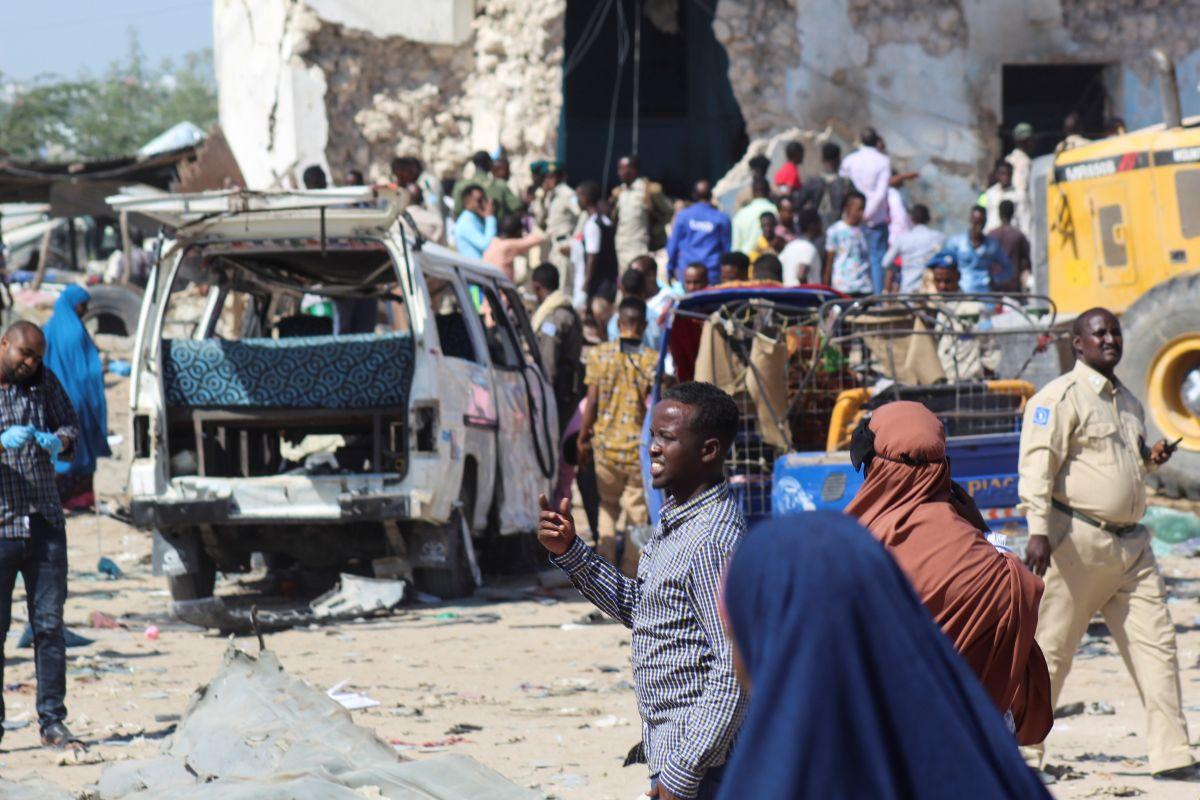 Atentado en Somalia causa al menos 79 muertos y más de 100 heridos
