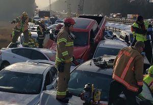 Chocan 63 vehículos en una carretera congelada en Virginia