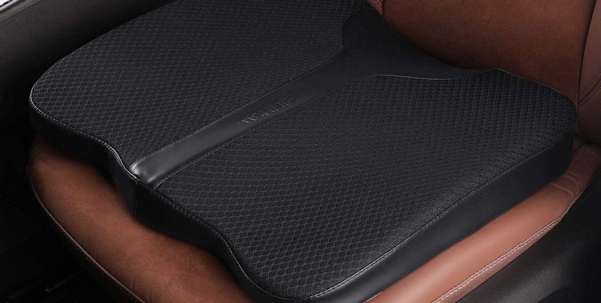 4 cojines para el asiento de tu auto que te ayudarán a quedar más alto al conducir