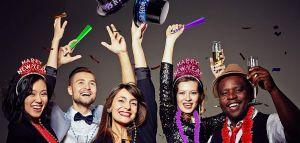 Los mejores kits de despedida de año para todos los invitados usar en la fiesta