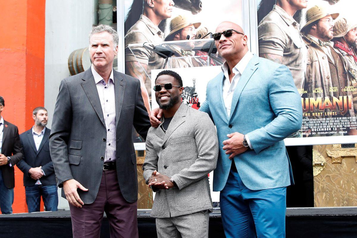 The Rock y Kevin Hart les dieron una increíble sorpresa a los asistentes de un cine en Los Angeles