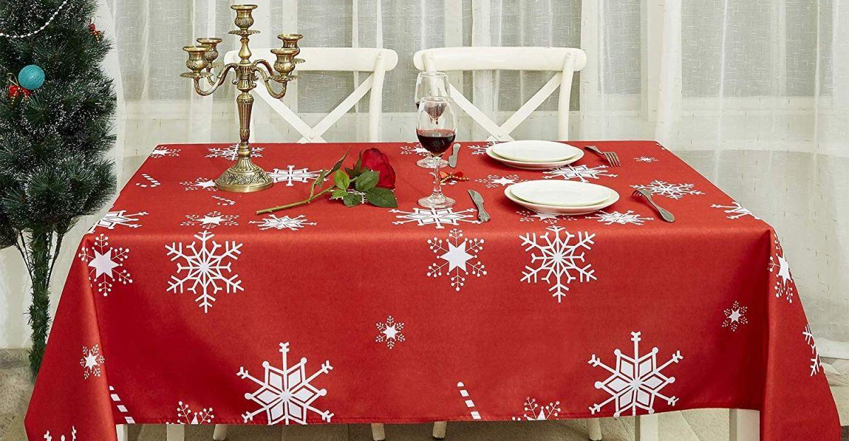 5 manteles navideños para decorar tu mesa por menos de $50
