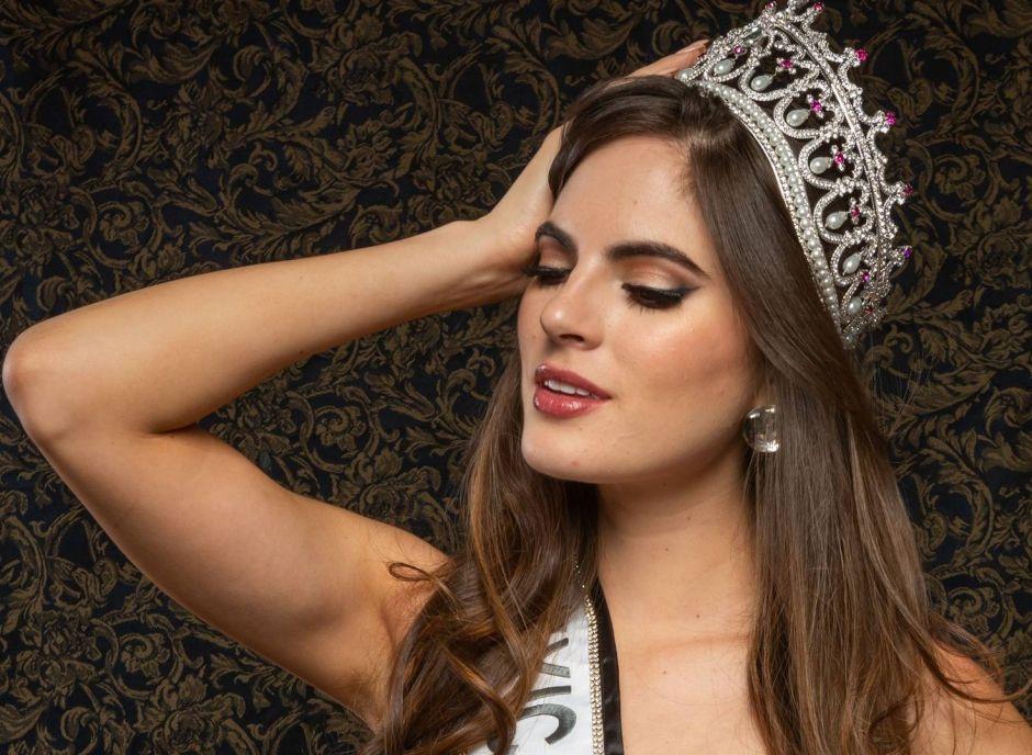 Miss México, Sofía Aragón, disfruta su último día de vacaciones en sexy bikini