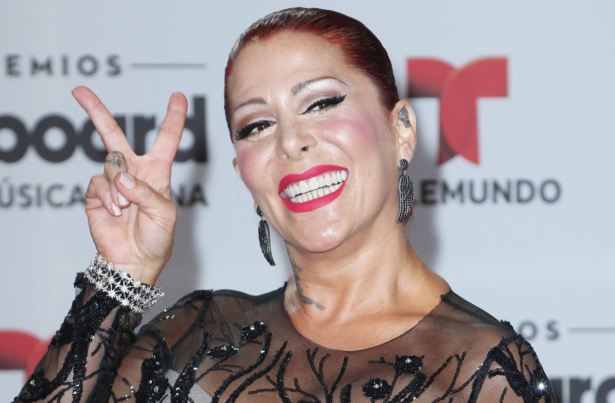 Alejandra Guzmán presume el amor que siente por su sobrino Apolo