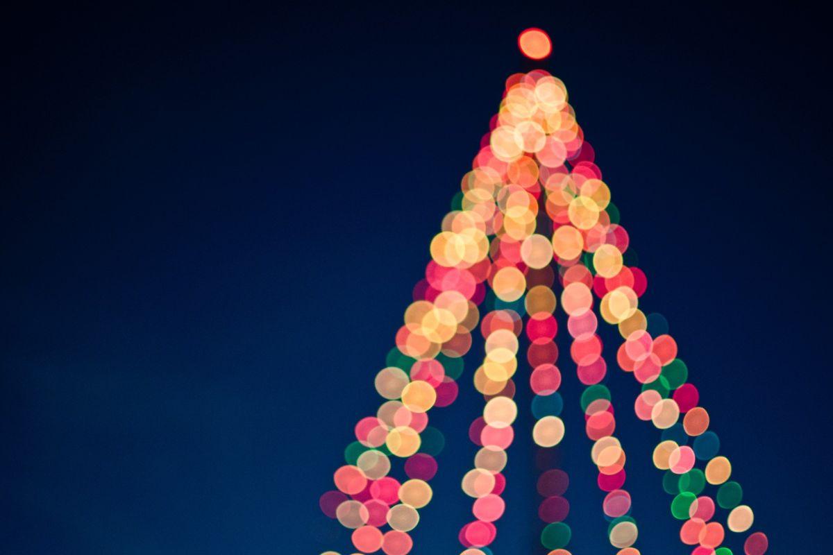 El COVID-19 ya altera planes navideños en Texas; uno de sus desfiles más populares no será igual que antes