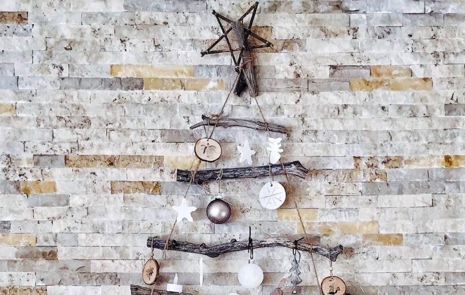 Haz tu propio árbol navideño no convencional de manera creativa y con poco dinero