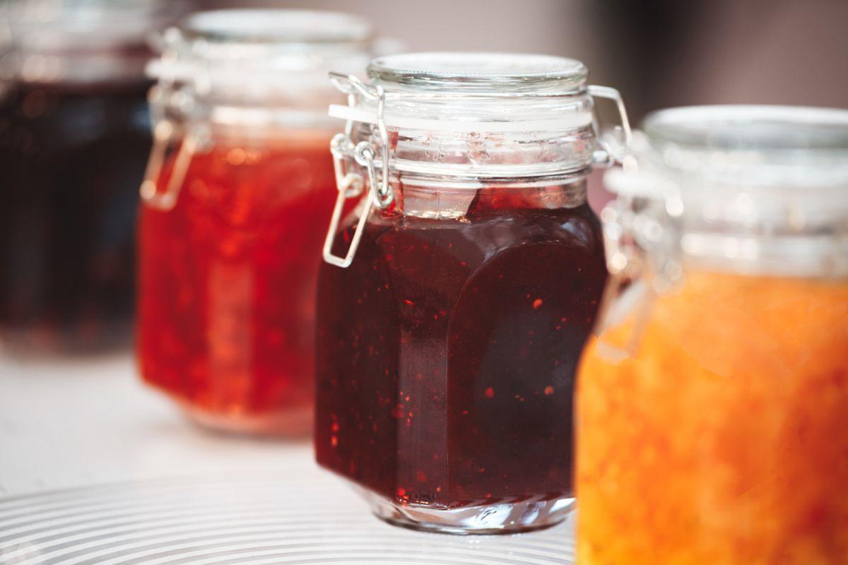 Aprende a preparar mermelada de tomate, una delicia saludable
