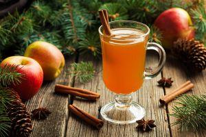 Cómo preparar sidra caliente de manzana  y naranja
