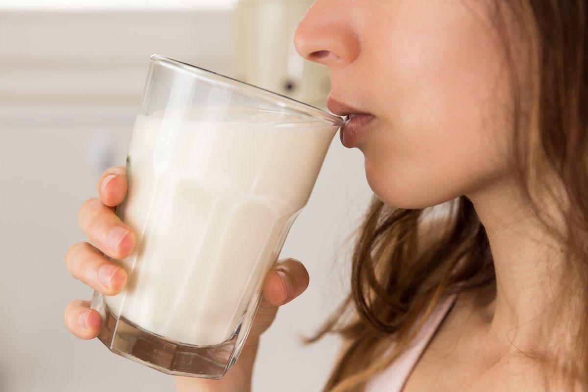 Cambiar la leche entera por la descremada alarga la vida