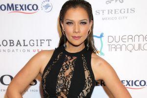 Carolina Miranda se deja ver en bikini, muy divertida y junto al ex de Frida Sofía