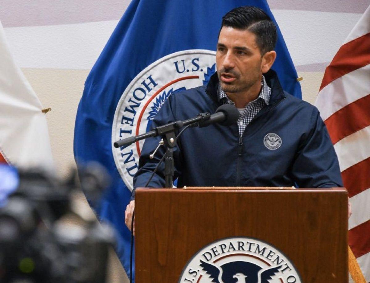 """Secretario de DHS contra licencias para indocumentados: """"Estamos premiando comportamiento ilegal"""""""