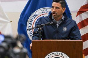Secretario de Seguridad Nacional carga contra Nueva York por proteger a los inmigrantes