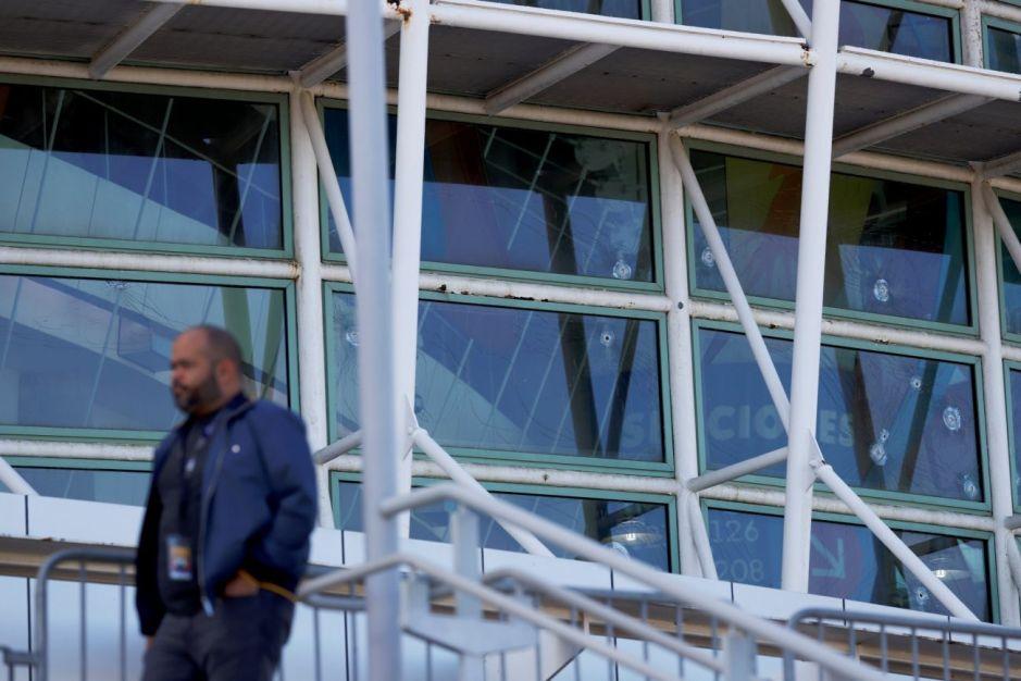 Policía de Puerto Rico investiga tiroteo frente a oficina del representante de Daddy Yankee