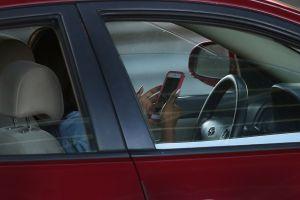A partir de 2020, Florida intensificará las multas a aquellos que texteen mientras conducen