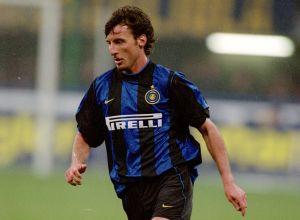Triste debacle: de jugar al lado de Ronaldo en el Inter de Milán a panadero