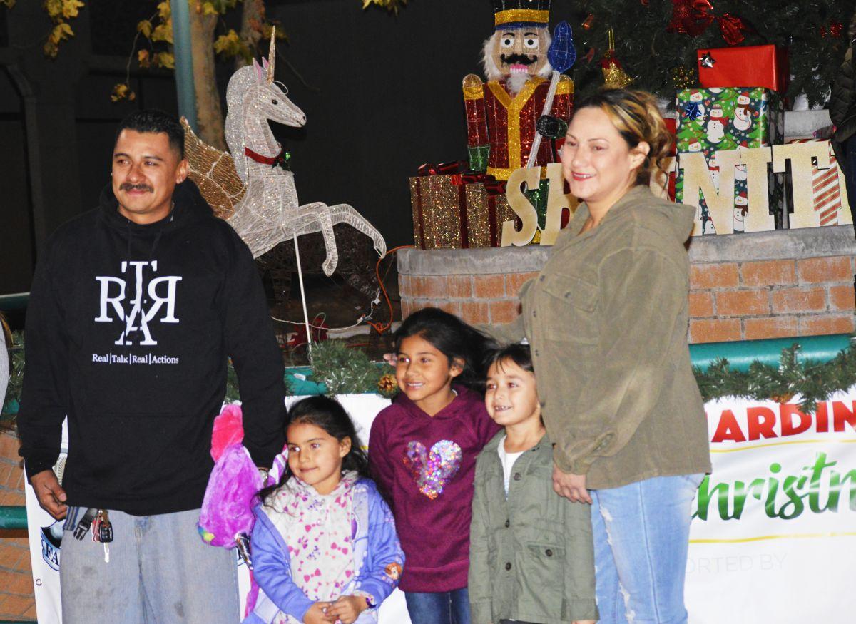 Las familias se mostraron contentas por este acontecimiento. / fotos: Alejandro Cano.