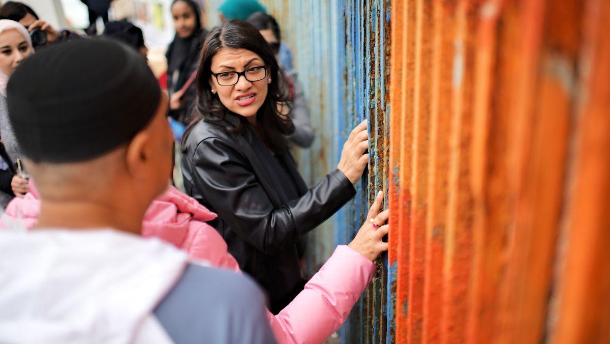 'Más que un muro, veo familias separadas': congresista Rashida Tlaib