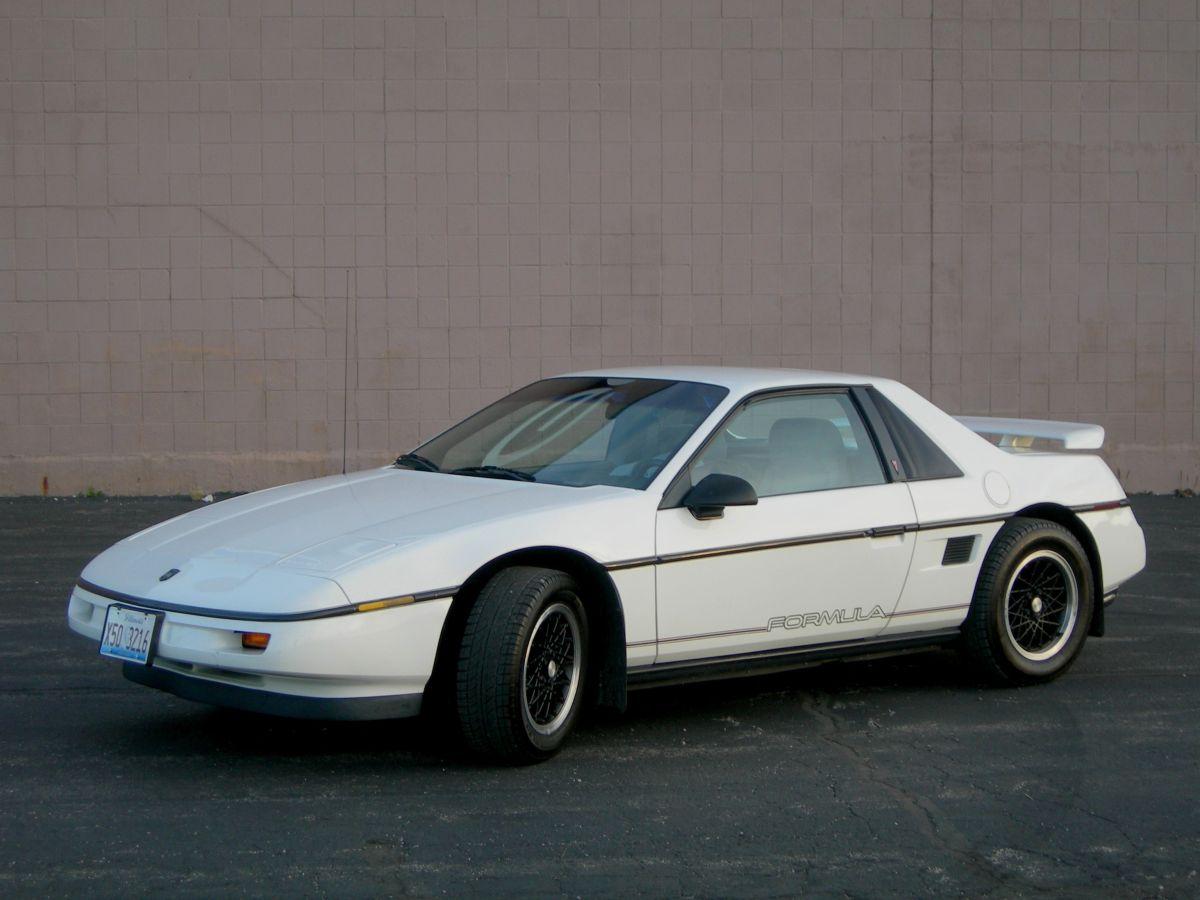 Pontiac Fiero 1988 el mejor auto de la década de 1980