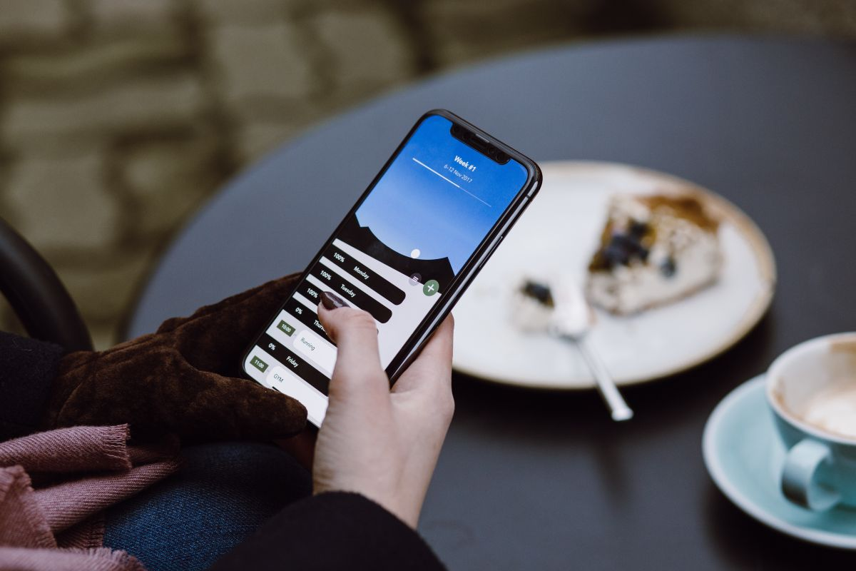 ¿Quieres un celular con una pantalla enorme? Te mostramos 4 opciones por menos de $600