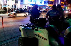 Una ley obligaría tener un policía en cada bar de Miami Beach